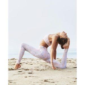 Alo Yoga - Airbrush Legging